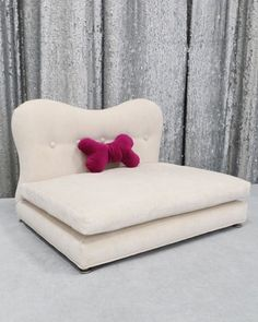 Our gorgeous super sleek and soft Glamour pet bed is perfect for any pup exclusively sold @horchow !
