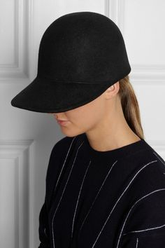 Now I like a hat but it has to be special. My last hat was the jil sander beanie with lace which was subsequently copied by other labels. I'm predicting this will be a biggy. Big enough with a nice long peak....#stellamccartney