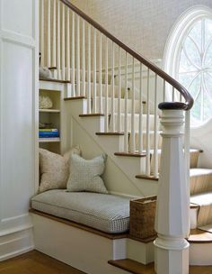 CHIC COASTAL LIVING: The Enchanted Home: Dream Beach House A little reading nook near the stairs. I would sit here during phone conversations with BFF so my husband can't hear me. Interior And Exterior, Interior Design, Interior Stairs, Dream Beach Houses, Enchanted Home, Style At Home, Coastal Living, Country Living, Built Ins
