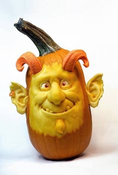 Pumpkin Sculpting Master Turns Ordinary Gourds Into an Expressive Cast of Characters - My Modern Met Diy Halloween, Halloween Ornaments, Holidays Halloween, Halloween Pumpkins, Halloween Decorations, Halloween Quotes, Halloween Witches, Happy Halloween, Pumpkin Art