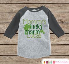 Boys St Patricks Day Shirt - Grey Raglan Outfit - Mommy's Lucky Charm Onepiece - St Patricks Shirt for Baby Boys - Funny Humorous Raglan Tee
