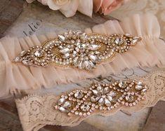 Blush Wedding Garter Set Blush Bridal Garter Set by GarterQueen Bridesmaid Jewelry Sets, Bridal Jewelry Sets, Bridal Sets, Bridal Accessories, Wedding Jewelry, Wedding Rings, Wedding Shoes, Diy Wedding Dress, Wedding Garter Set