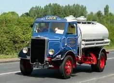1938 Leyland Lynx Vintage Trucks, Old Trucks, Busses, Commercial Vehicle, Classic Trucks, Old Cars, Britain, Jeep, Transportation