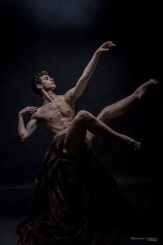 The Wide World of Dance: Marco Bozzato - photo by Giovanni Vecchi