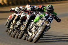 Now that is racing! Nothing like a flat track train! Flat Track Motorcycle, Flat Track Racing, Motorcycle Art, Motorcycle Racers, Ducati, Ktm, Yamaha, Vintage Bikes, Vintage Motorcycles