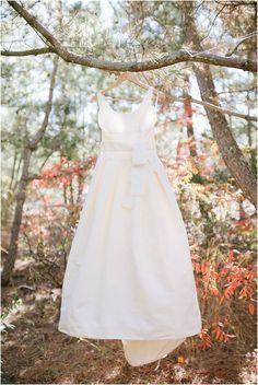 Bonnet Island Estate New Jersey Wedding // Fall Wedding // #weddinginspiration #classicwedding #bride #bridalstyle #bridestyle #classic #white #amsale #amsalebridal #gown #weddinggown #weddingdress #a-line