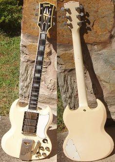 Music Guitar, Guitar Amp, Cool Guitar, Acoustic Guitar, Guitar Room, Gibson Sg, Gibson Les Paul, Les Paul Guitars, Les Paul Custom