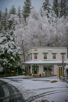 Nevada City covered in snow, the magical feeling, which isn't super common at 2500'. The Outside Inn, Nevada City's favorite motel, is ready for someone's home away from home. Nevada City, Home And Away, Motel, Lodges, The Outsiders, Cottage, Cabin, Snow, Vacation