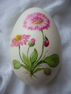Ostereier 1396128192 676 Car Bras For New Fashion Anytime you hit the road, your vehicle faces rocks Easter Egg Designs, Easter Egg Crafts, Easter Art, Rock Painting Designs, Coloring Easter Eggs, Egg Art, Motif Floral, Rock Crafts, Egg Decorating