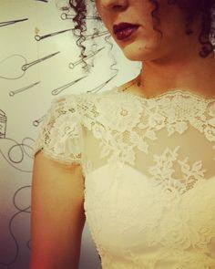 Ó que chega a fazê os olhim virá... hihihi  cabradapestebh@gmail.com Lace Wedding, Wedding Dresses, Fashion, Vestidos, Bridal Dresses, Moda, Bridal Gowns, Wedding Dressses, Weeding Dresses