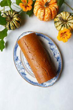 Absolutely divine wholesome gluten-free vegan pumpkin roll with light cashew coconut frosting. Vegan Frosting, Coconut Frosting, Pumpkin Squash, Pumpkin Puree, Vegan Pumpkin Roll Recipe, Rolls Recipe, Nirvana, Vegan Gluten Free, The Help