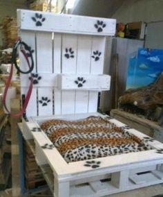 Cama decorada perro palets