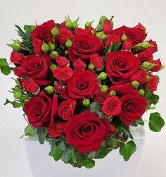 Free Message, Message Card, Fresh Flowers, Beautiful Flowers, Red Rose Bouquet, Fresh Flower Delivery, Valentines Flowers, Red Roses, Floral Wreath