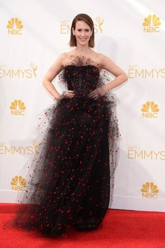 Can't get within three feet of Sarah Paulson. You'd get electrified. #Emmys2014