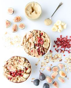 Give your morning smoothie bowl a flavorful fall twist with this recipe for Autumn Acai Bowls with Vanilla Bean Cashew Butter. Topped with pomegranate, sliced figs, and slivered almonds, this bladder-friendly breakfast idea is both healthy and delicious! Breakfast And Brunch, Breakfast Bowls, Breakfast Parfait, Perfect Breakfast, Muesli, Granola, Brunch Recipes, Breakfast Recipes, Smothie Bowl
