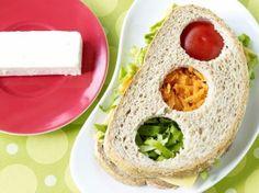 Stoplichtsandwich (Libelle Lekker!) Food Humor, Funny Food, Avocado Toast, Kids Meals, Hummus, Feta, Good Food, Mexican, Cheese
