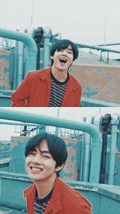 to fans Jungkook the ship begins to read a book. SAME: Jungkook Uke: # taehyung # # the # Yoon& # Bts Taehyung, Kim Namjoon, Bts Bangtan Boy, Taehyung Red Hair, Taehyung Smile, Foto Bts, Bts Photo, Daegu, V Bts Cute