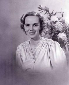 Princess Anne of Bourbon-Parma, later Queen Consort of Romania. She is the niece of Empress Zita, and you can see that a bit. Parma, Royal Family News, British Royal Families, Princess Estelle, Princess Elizabeth, Bourbon, Michael I Of Romania, Romanian Royal Family, Royal Video