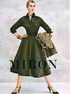 Affordable Women S Fashion Online Vintage Fashion 1950s, Fifties Fashion, Mode Vintage, Retro Fashion, Womens Fashion, Classic Fashion, Fashion Photo, Fashion Models, Fashion Beauty