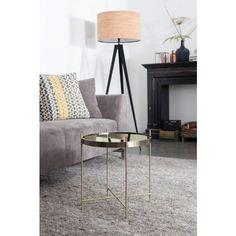 """Mit dem Beistelltisch """"Cupid Copper"""" zaubern Sie ein einzigartiges Ambiente in Ihr Zuhause. Der Tisch ist aus pulverbeschichtetem Eisen gefertigt und beeindruckt durch seine antike Ausstrahlung und die abnehmbare Glasplatte. Dank der eleganten Linienführung sowie der geschmackvollen Rundrohrfüße zieht er garantiert alle Blicke auf sich. Setzen Sie darauf beispielsweise dekorative Vasen oder edle Skulpturen stilvoll in Szene. Dieser Beistelltisch entzückt mit seinem unvergleichlichen Design!"""