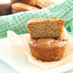 Flourless Sweet Potato Blender Muffins (vegan if substitute 2 eggs with 6 TBS aquafaba) Muffin Recipes, Baby Food Recipes, Gluten Free Recipes, Breakfast Recipes, Paleo Breakfast, Sweet Potato Muffins, Mashed Sweet Potatoes, Healthy Muffins, Healthy Treats