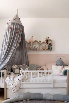 Kinderzimmer für Mädchen #kinderzimmer #kinderzimmerinspo #kinderzimmerdeko #kidsroom #kidsroominspo #nursery #kinderkamer #kinderbett #baldachin