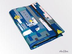 Kalender  für 2013 mit Stoffumschlag (DIN A6).    2013 kommt bestimmt...    Schöner Kalender mit Schutzumschlag aus hochwertigem Baumwollstoff. Innen