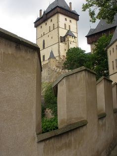 a must see if you have time......Karlstejn Castle in the Czech Republic #Prague
