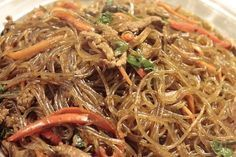 Discover recipes, home ideas, style inspiration and other ideas to try. Japchae, Yakisoba, Japanese Dishes, Japanese Food, K Food, Food Porn, Asian Recipes, Healthy Recipes, Ethnic Recipes