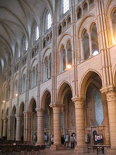 Laon cathedral has four tiers of colonnades