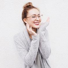 Von wegen Nasenfahrrad! Brillen sind mittlerweile echte Trend-Teile und die Lieblingsaccessoires von Bloggern. Lust auf ein neues Modell...