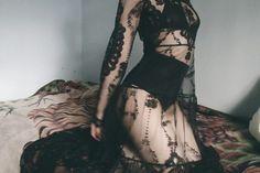 40 Trendy Ideas For Photography Femme Fatale Girls Alternative Mode, Alternative Fashion, Dark Fashion, Gothic Fashion, Hippie Rock, Looks Style, My Style, Mode Sombre, Gothic Mode