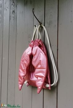 Angyalhátizsák, arany (zsiemankaje) - Meska.hu Drawstring Backpack, Backpacks, Bags, Handbags, Backpack, Backpacker, Bag, Backpacking, Totes