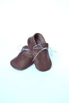 Handmade soft sole leather baby boy shoes / Baby boy brown moccasins / Baby boy crib shoes / Baby moccs / Baby shower gift / Newborn gift by MiniMos