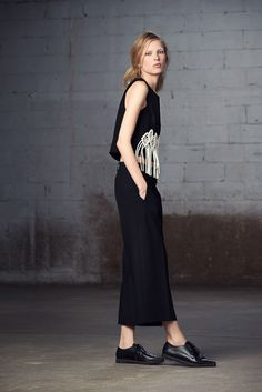 http://www.fashionsnap.com/collection/tibi/2015-16aw-pre/gallery/index15.php