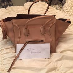❤️ FLASH SALE 😊Celine Never used Blush Phantom ❤️ Gorgeous blush phantom Celine never used no trades. Color his simply gorgeous ❤️🚫🚫🚫Trades. Size is medium I have receipt as well 😊 Celine Bags Satchels