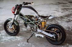 2001 Ducati Monster 600 by Spurius Rotis-10