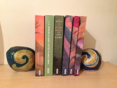 books end - Painted rock - by Sibel Elif