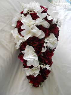Burgundy roses and ivory hydrangeas 2 pieces bouquet