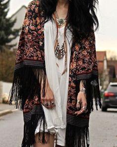 Hippie style, boho hippie, bohemian style clothing, gypsy style, bohemian k Bohemian Style Clothing, Bohemian Mode, Bohemian Lifestyle, Gypsy Style, Bohemian Gypsy, Bohemian Chic Style, Bohemian Kimono, Hippie Clothing, White Bohemian