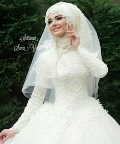Gelinlik Modelleri Muslim Wedding Gown, Muslimah Wedding, Disney Wedding Dresses, Muslim Brides, Wedding Hijab, Pakistani Wedding Dresses, Modest Wedding Dresses, Muslim Couples, Muslim Women