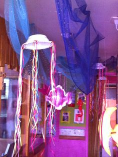 """Jardín Infantil """"Un Mundo de Amor"""": Muestra de decoración mes del mar Balloons, Neon Signs, Pirates, Smile, Disney, Children's Library, Ideas, World, Amor"""