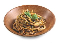 We <3 whole wheat pasta! Try this version with walnuts, spinach and mozzarella to slash your risk of Type 2 diabetes!   #BLR #BiggestLoserResort #BiggestLoser