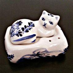 Delft blauwe handbeschilderd Vintage porseleinen Cat kussen zout en peper schudbeker opleggen