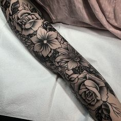 There is nothing sexier than women with sleeve tattoos. Here are 43 of the most breathtaking sleeve tattoos for women on the internet. Enjoy!