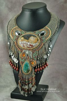 """El Lobo""  finalist in 2014 BeadDreams seed bead competition."