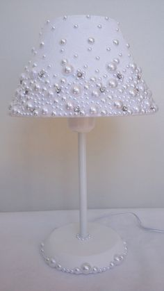 Fabric-coated dome lamp with pearls and stras.- Abajur com cúpula revestida em … Fabric-coated dome lamp with pearls and stras.- Abajur com cúpula revestida em tecido, com pérolas e stras. Fabric-coated dome lamp with pearls and stras. My Room, Girl Room, Light Decorations, Diy Home Decor, Diy And Crafts, Bedroom Decor, Diy Projects, Design, Pearls