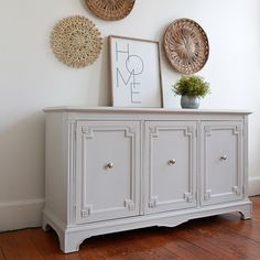 Stripping Furniture, Paint Furniture, White Furniture, Furniture Makeover, Dining Room Buffet, Dining Room Furniture, Chalk Painted Furniture, Off White Paint Colors, India Home Decor