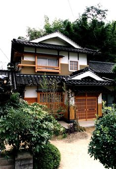 Japanese Home Design, Japanese Style House, Traditional Japanese House, Traditional Exterior, Japan Architecture, Architecture Details, Asian House, Casas The Sims 4, Exterior Design