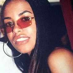 Aaliyah Style, Gina Smith, Aaliyah Haughton, Pop Songs, It Goes On, 90s Fashion, Style Fashion, One In A Million